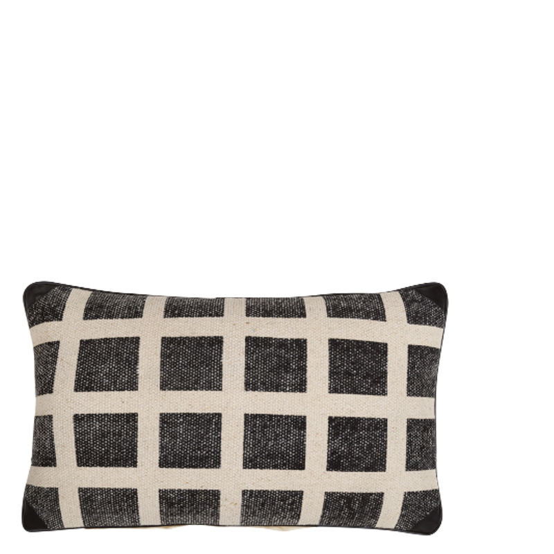 ADINIA PILLOW BLACK 50X30